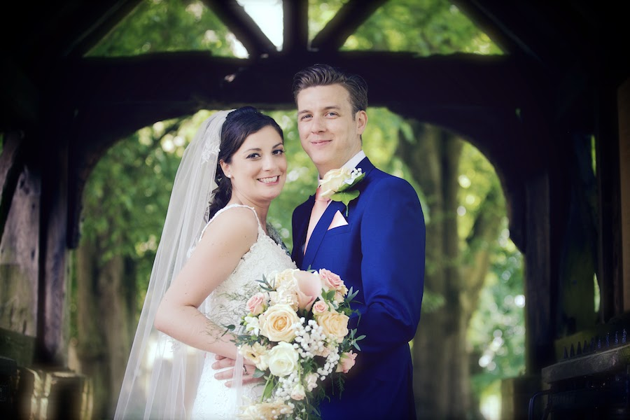Bartholomew Barn Wedding Photographers, female photographers in sussex