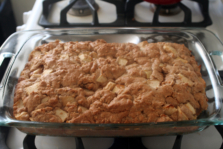 German Apple Cake | hardparade.blogspot.com