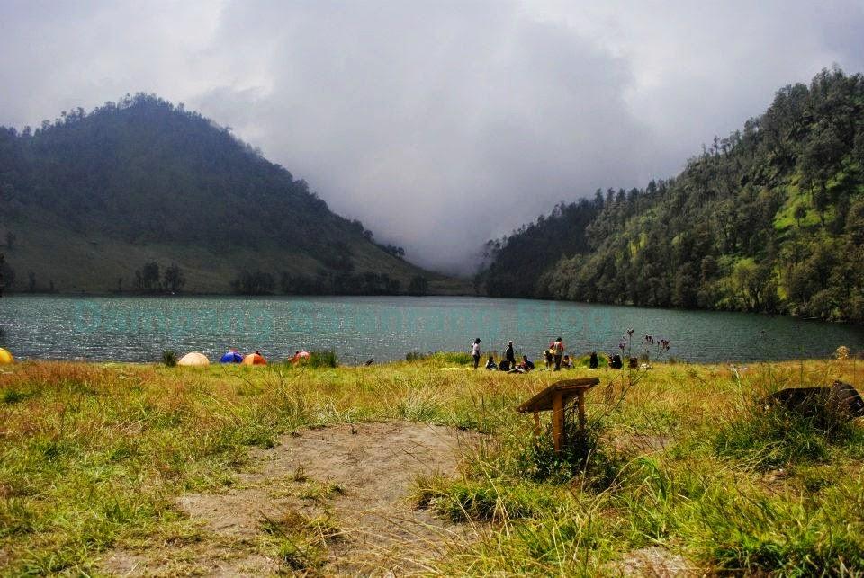 danau kawasan ranu kumbolo inda cantik alami tempo dulu