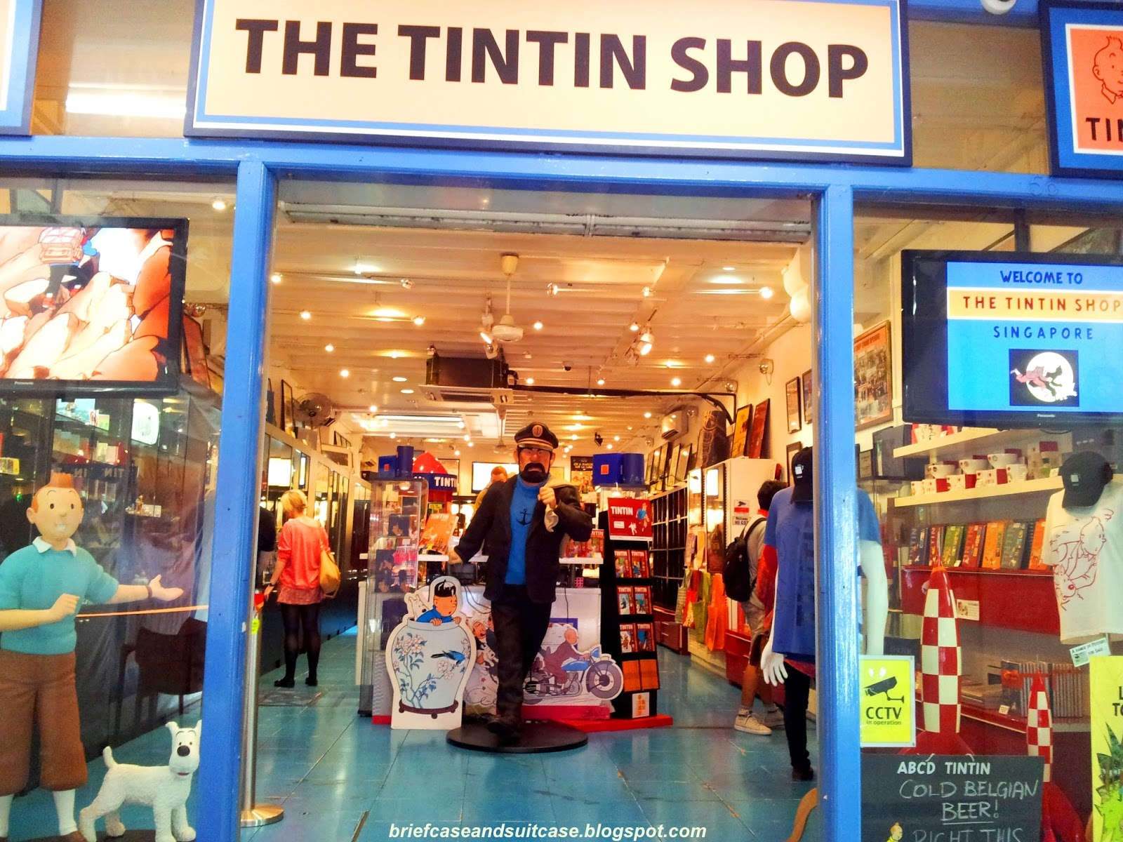 my salad days hunting the tintin shop at singapore. Black Bedroom Furniture Sets. Home Design Ideas