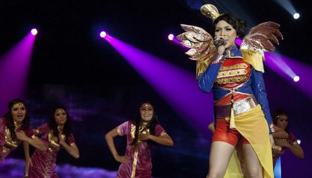 Foto Bugil Melinda Penyanyi Dangdut Telanjang Pantai