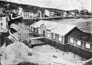 Luanco, antiguo balneario en la playa de La Ribera
