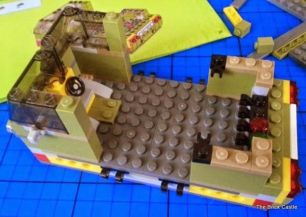 LEGO TMNT Turtle Van Takedown Set 79115 Review vehicle build