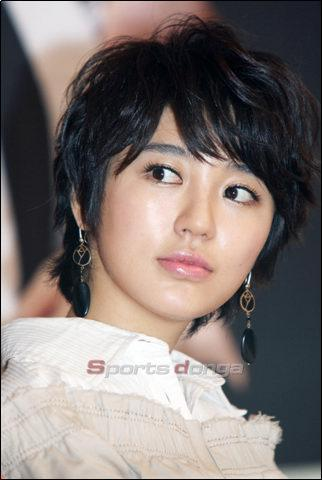 asian girl hairstyle. short haircuts 2011 for