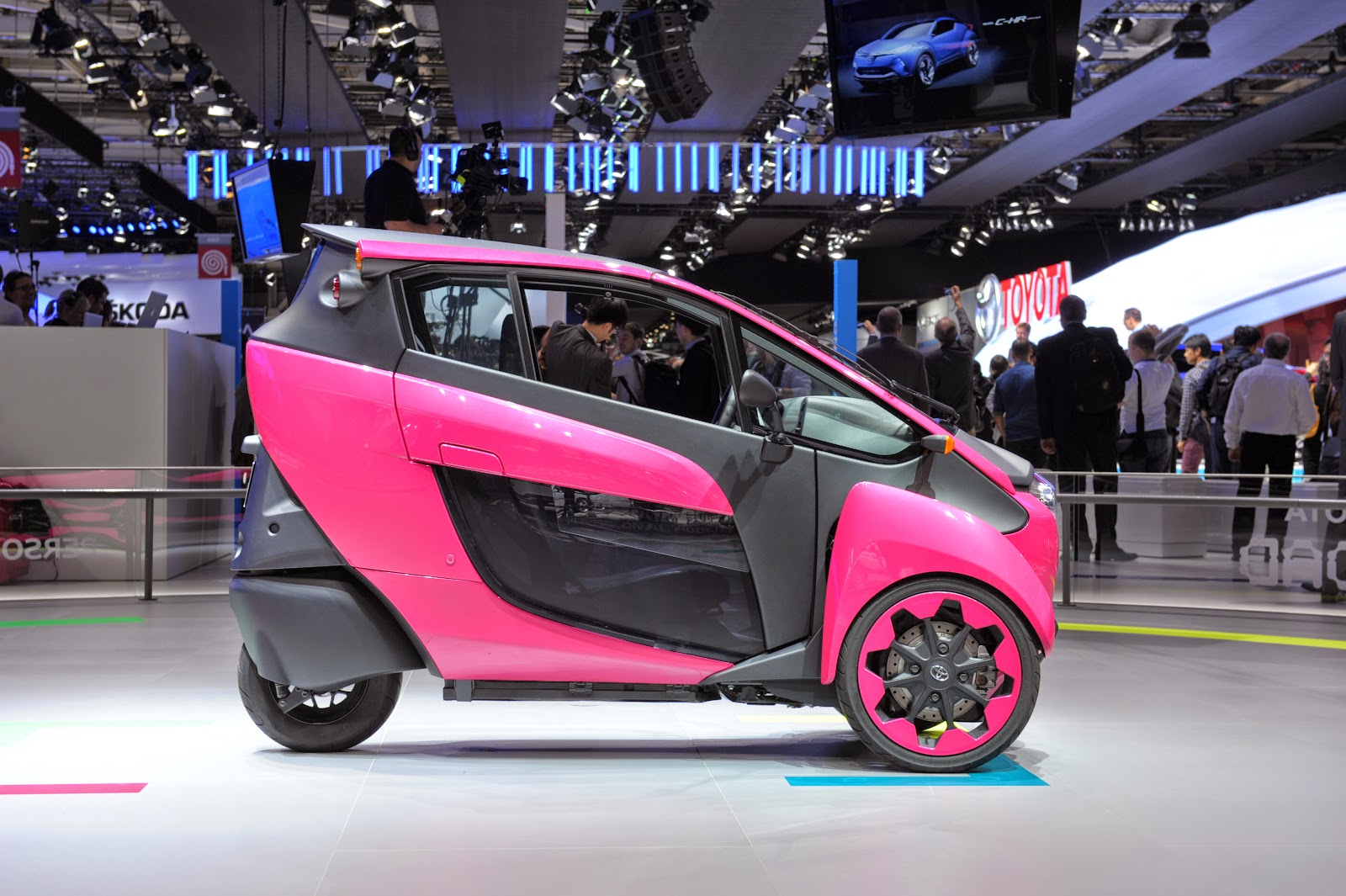 Paris Auto Show 2014 in HD Pictures