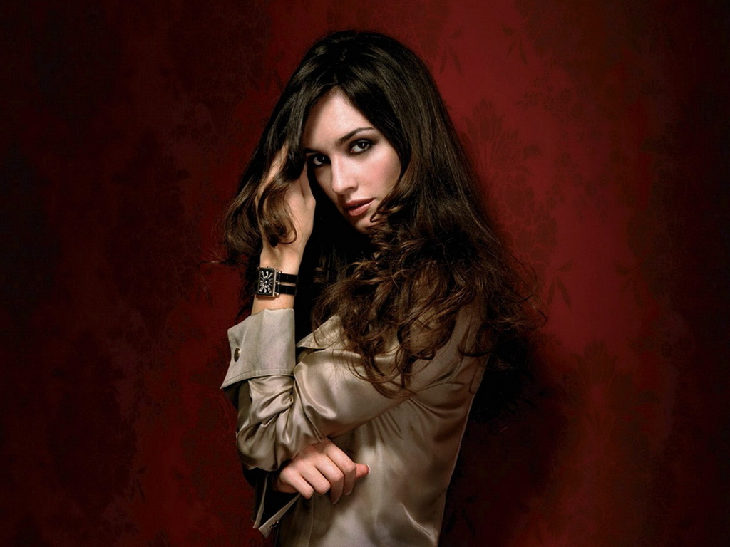 http://1.bp.blogspot.com/-hqT_gS3iiz4/TcHnG9u4f4I/AAAAAAAAEgE/T4k2vO5G8PY/s1600/Paz_Vega_-_Spanish_actress.jpg