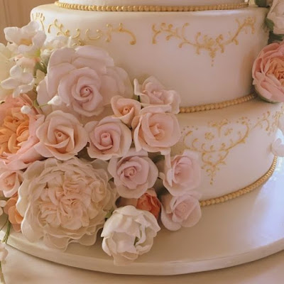 sugar flowers custom wedding cake rosecliff mansion