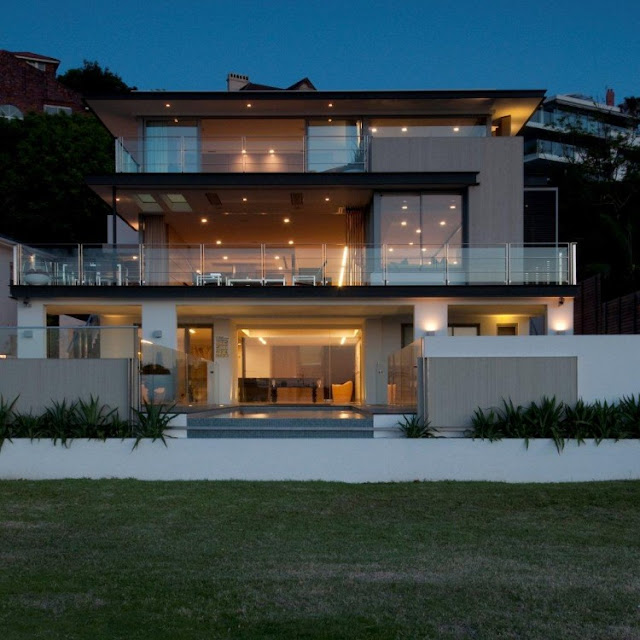 Photo of front facade of an amazing home in Sydney