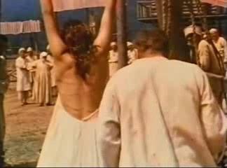 Смотреть видео наказание плетьми женщин 169