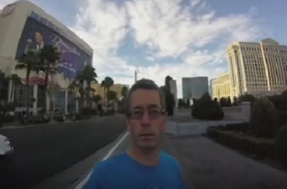 Video lawak lelaki tersilap rakam percutian Vegas dalam mod selfie
