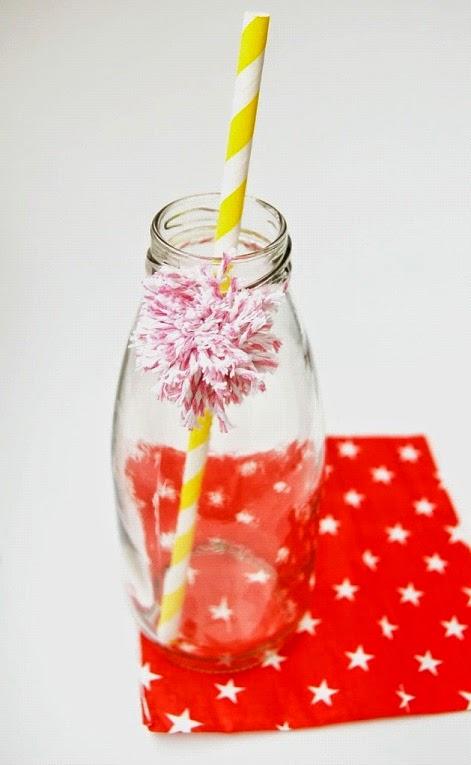 Garrafinhas Decoradas  com Mini-Pompons - vaso de flores - diy
