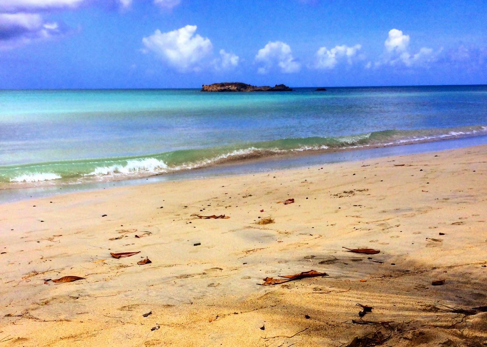 how to get to isla de providencia