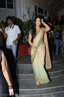 Shruthi Hassan looks stunning in a Saree at 3 Movie Audio Launch