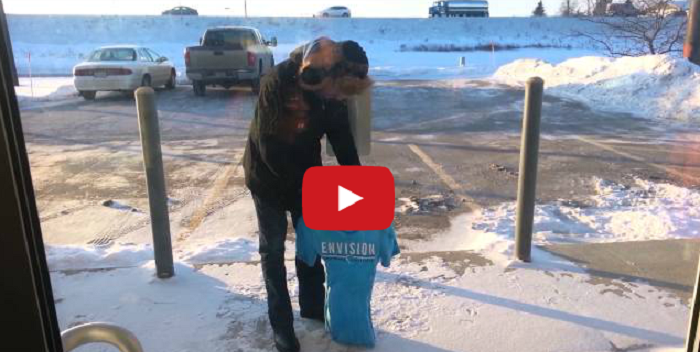 You Won't Believe It! T-shirt Freezes in 1 Minute, -20F!
