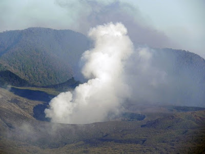Gunung Lokon - gunung berapi