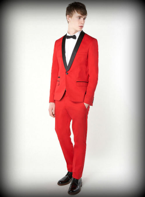 Traje De Baño Rojo Hombre:Este traje rojo es de una casa europea y solo para atrevidos, no por