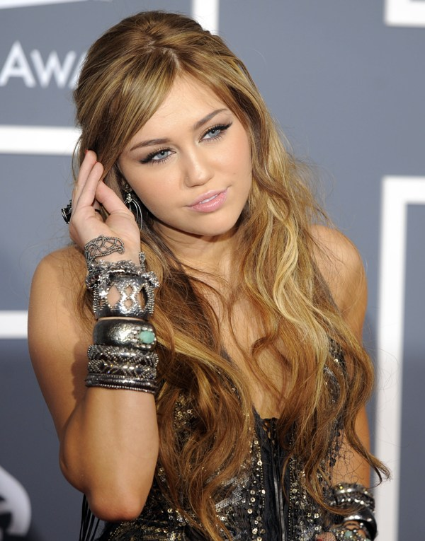 kate hudson 2011 grammys. Miley Cyrus: 2011 Grammy