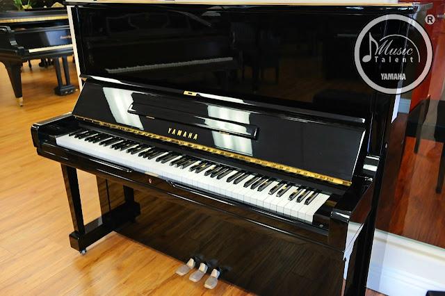 dan piano yamaha U3M