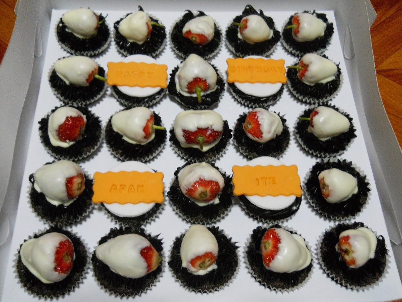 Cupcake + buah-buahan