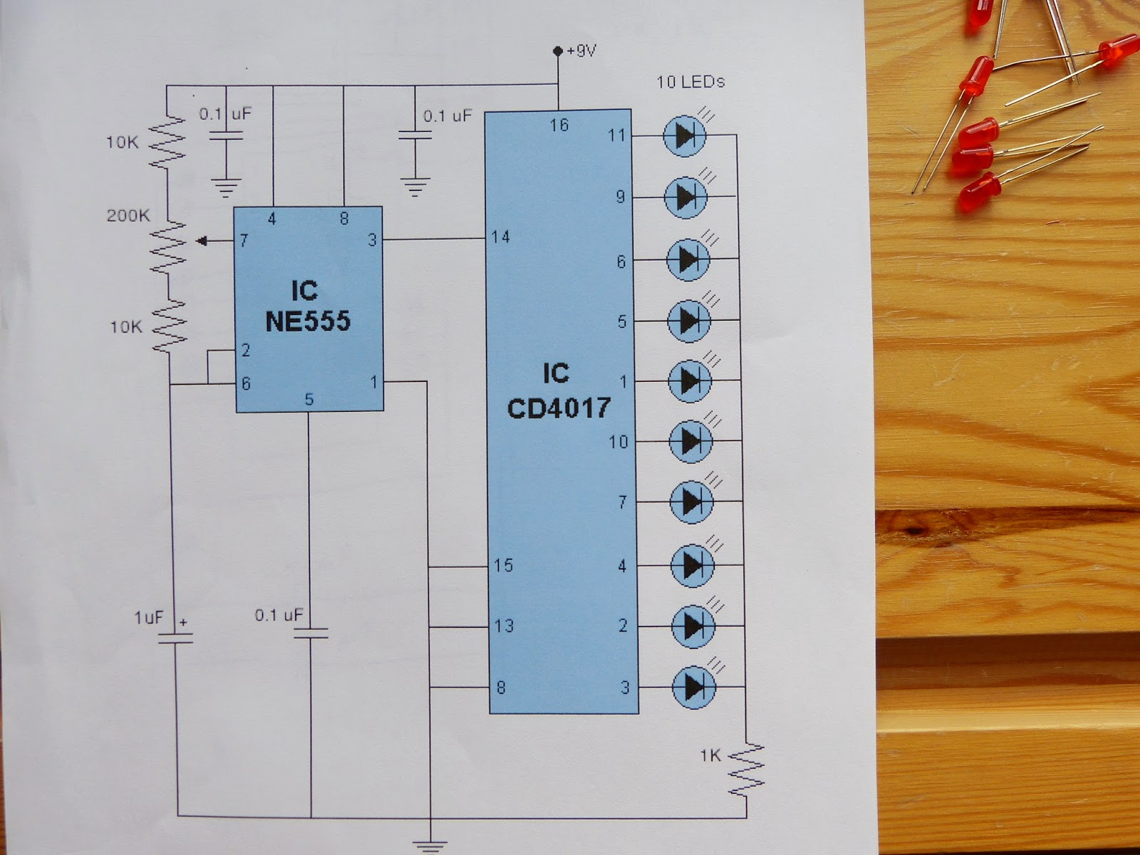 Valentine LED chaser part 1: the breadboard