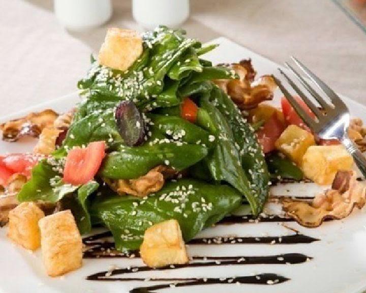 salat-s-panchettoj-i-orexami