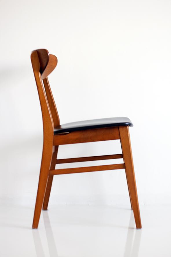 Tyylitellen Keittiön pöytä ja tuolit