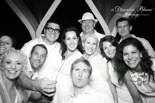 Diner en Blanc: Group Photo Booth Shot- Fotio