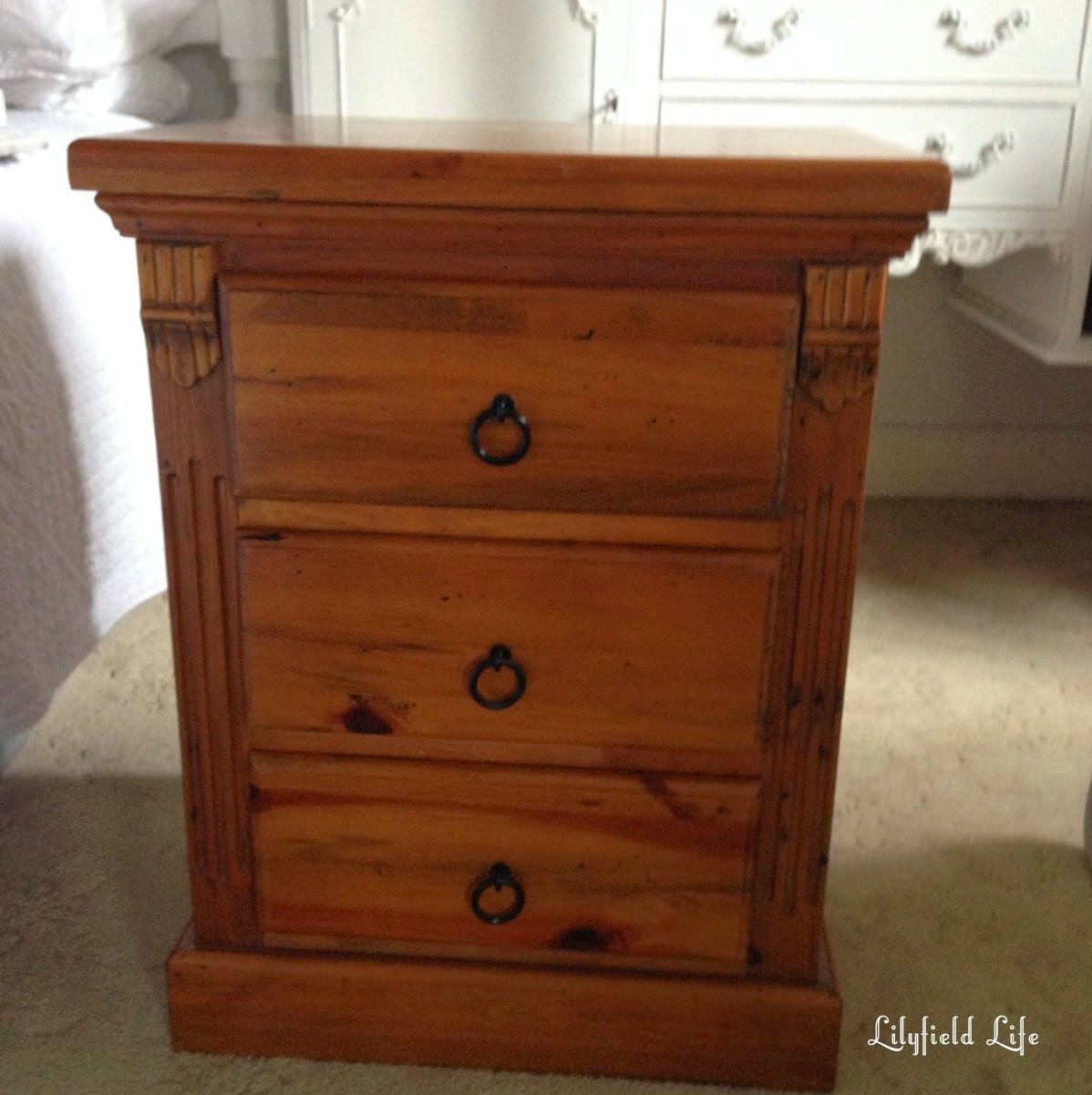 How to paint pine furniture by Lilyfield Life
