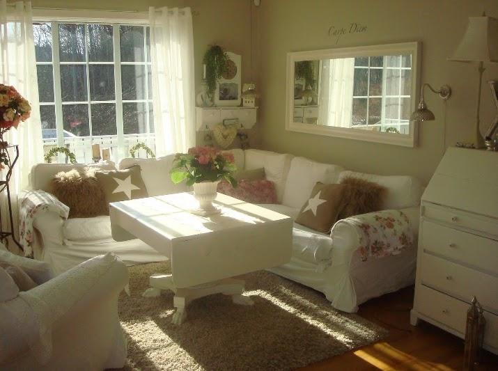 colores de la pintura de la pared de la sala de estar con muebles de