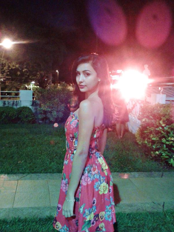 Look: Vestido Floral para Festa Pat Bo CeA Melissa