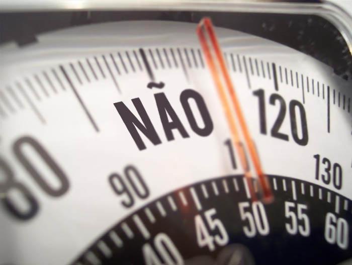 MINHA MÃE QUER SER MOCINHA_Balança do ridículo_Perder peso_balança de banheiro_Balança_sem noção_balança fashion