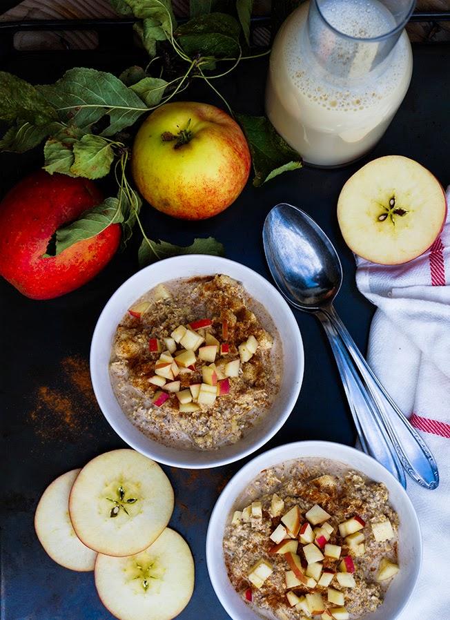 Overnight oats / køleskabsgrød med æble, kanel og chia