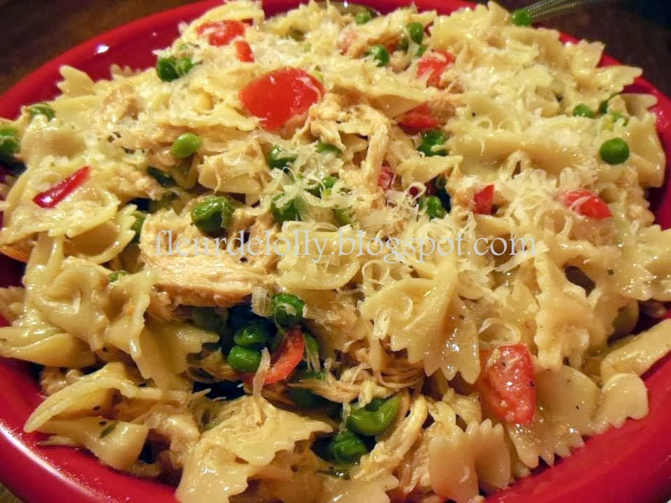 Fleur de Lolly: Bow Tie Pasta Salad with Lemon Pepper Chicken