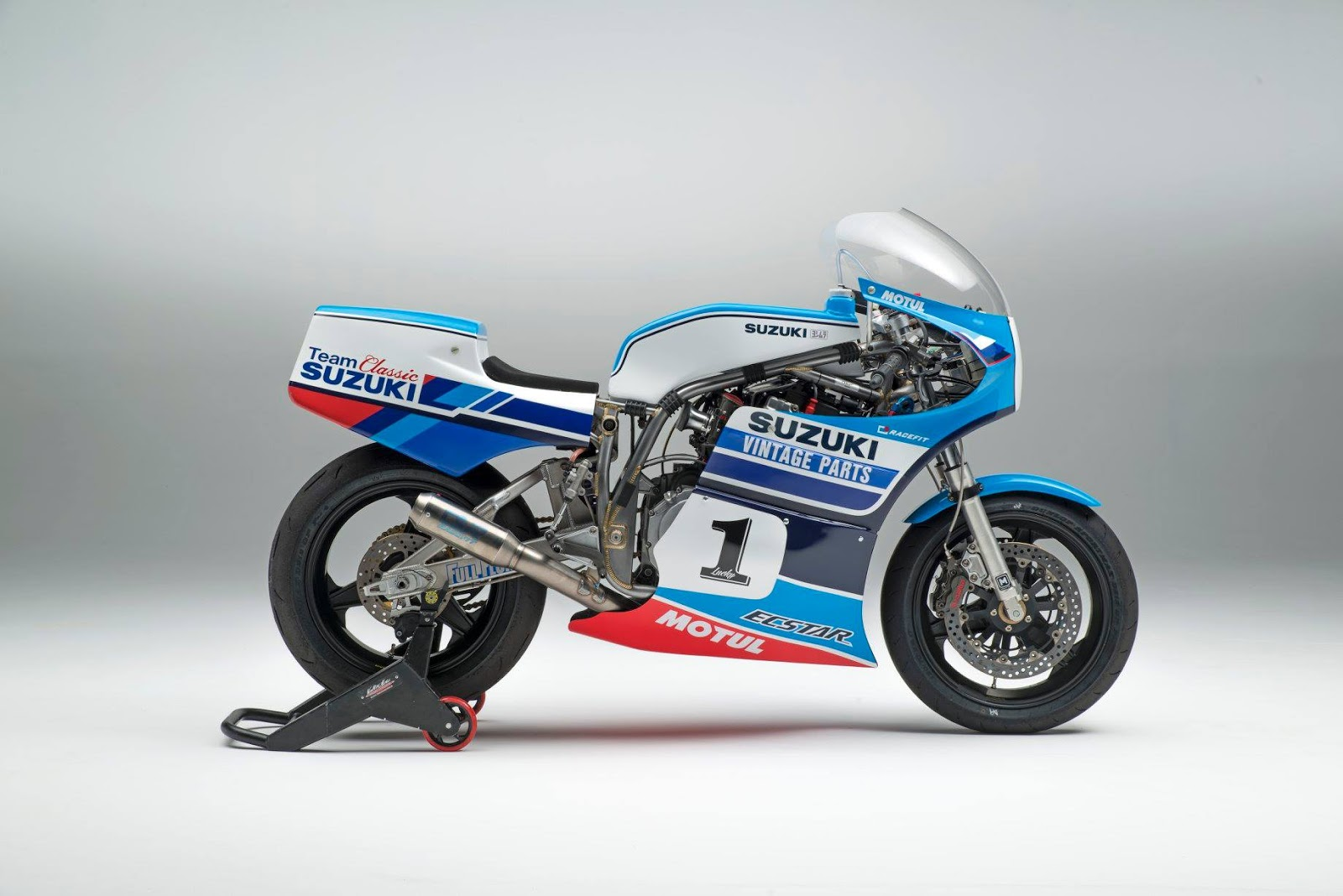 Suzuki XR69 - RocketGarage