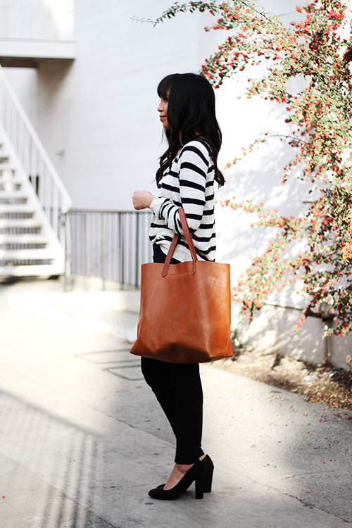 Madewell striped sweater, Madewell transport tote, Uniqlo ponte pants, Target black pumps
