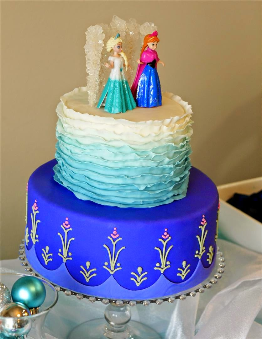 The final result--a Frozen birthday cake fit for my 2 little ...