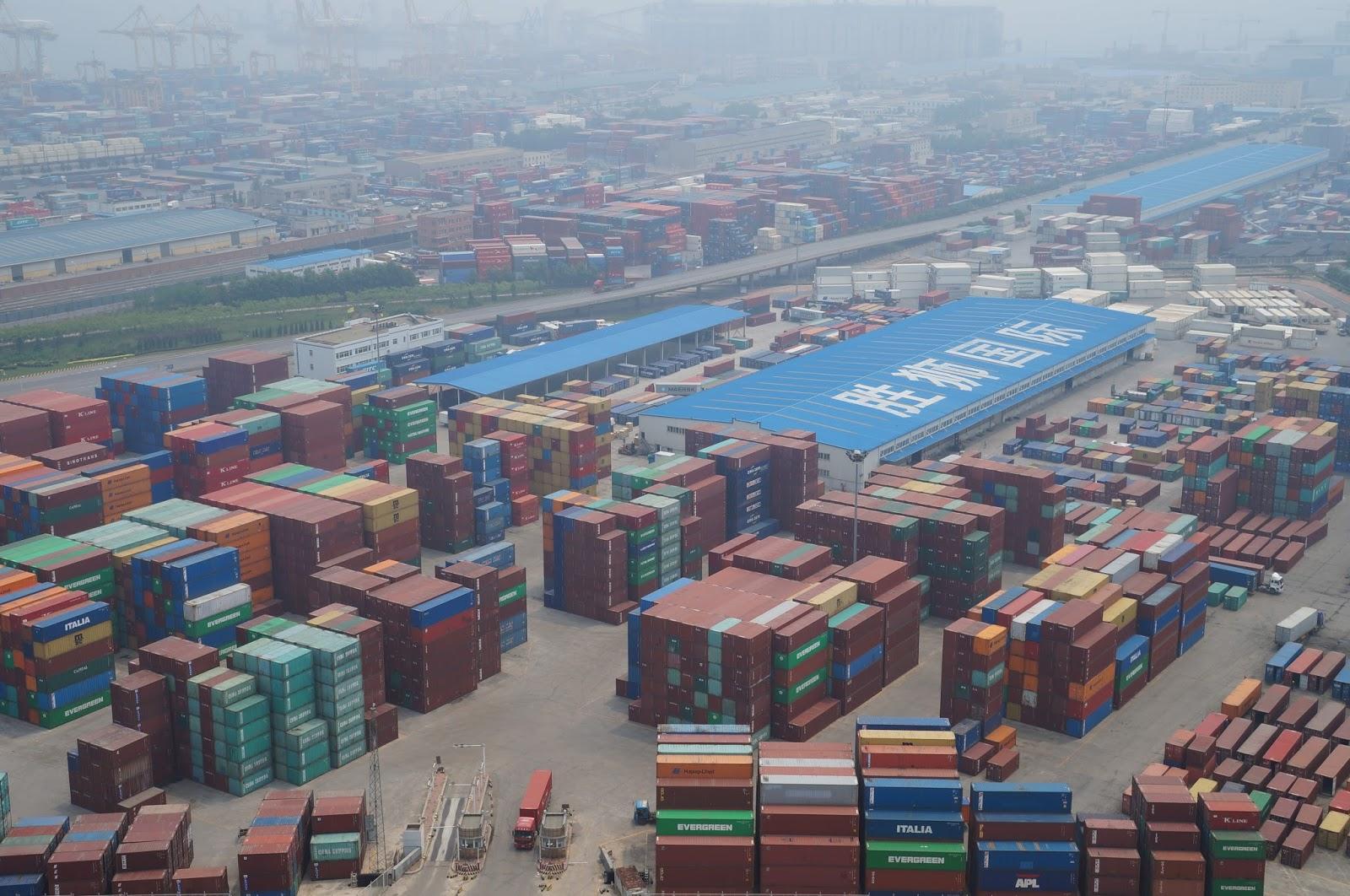 Dalian port