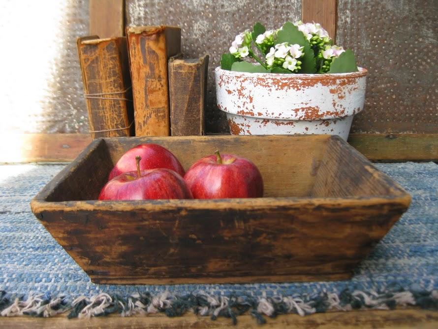 small apple tray