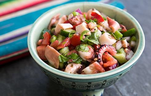 Ensalada de Pulpo (salada de polvo)