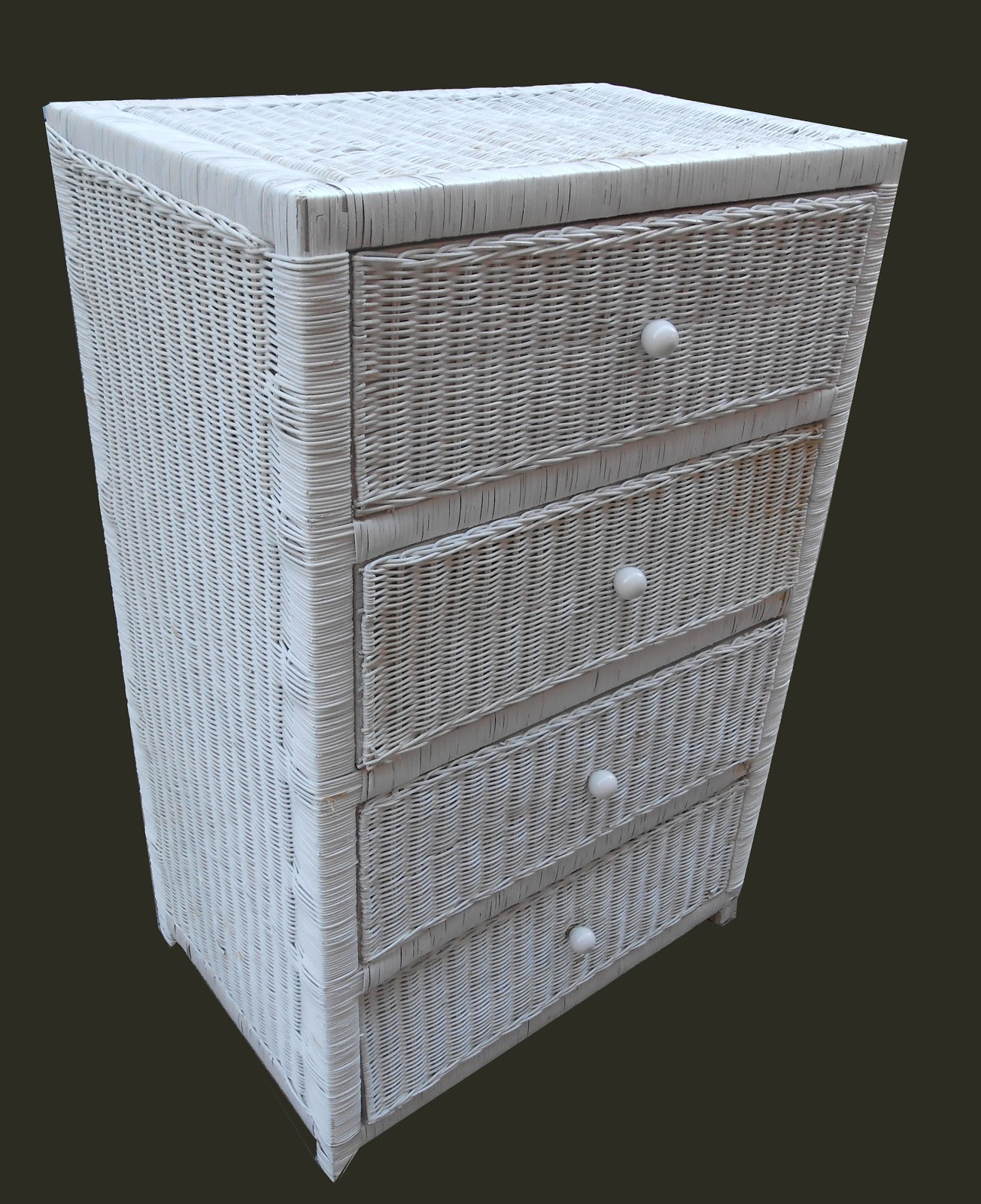 uhuru furniture collectibles white wicker chest of drawers sold. Black Bedroom Furniture Sets. Home Design Ideas