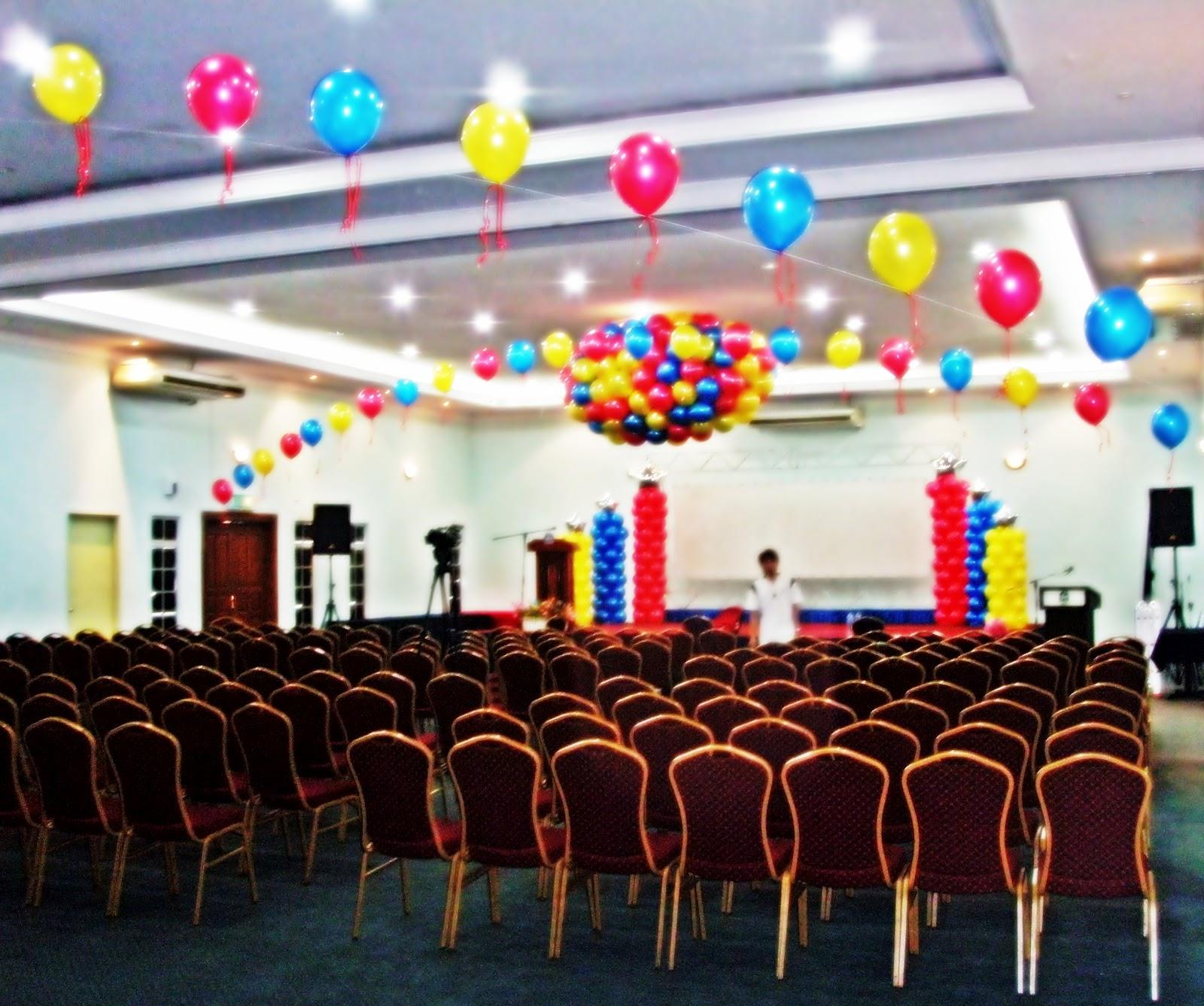Kinkballoon balloon decoration q dees annual dinner 2010 for Annual dinner decoration