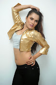 New Actress Pooja glam pics-thumbnail-10