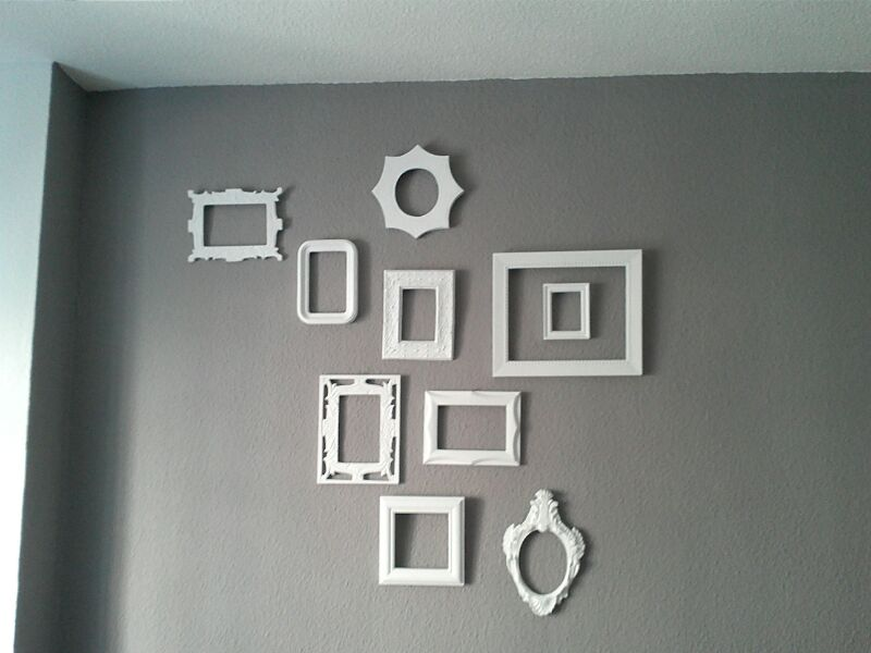 Un hueco decoupage decorar paredes con marcos viejos - Marcos para pared ...