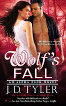 Giveaway: Wolf's Fall