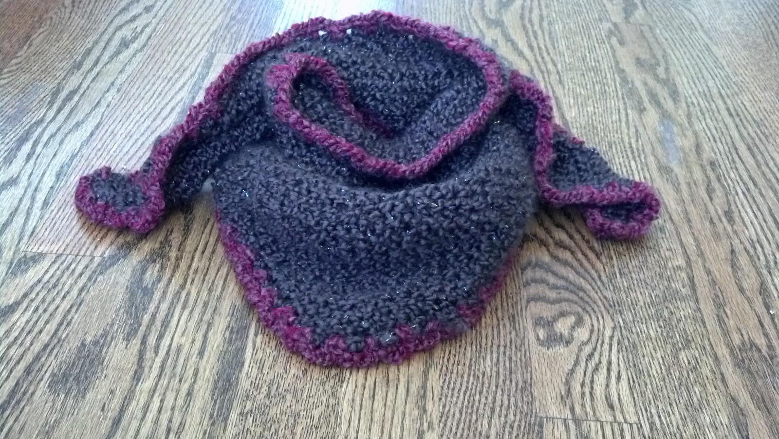 Boucle Knitting Patterns : Triangle Shawl Using Boucle Yarn Knit A Bit Crochet Away