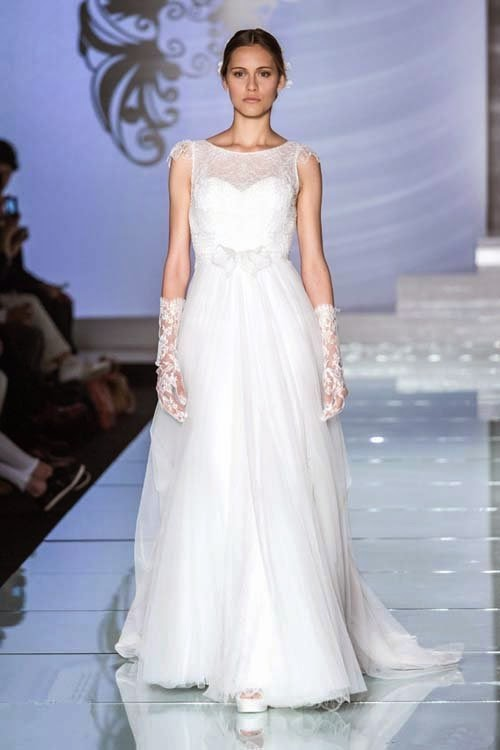 2015 wedding dresses collection by Lusan Mandongus
