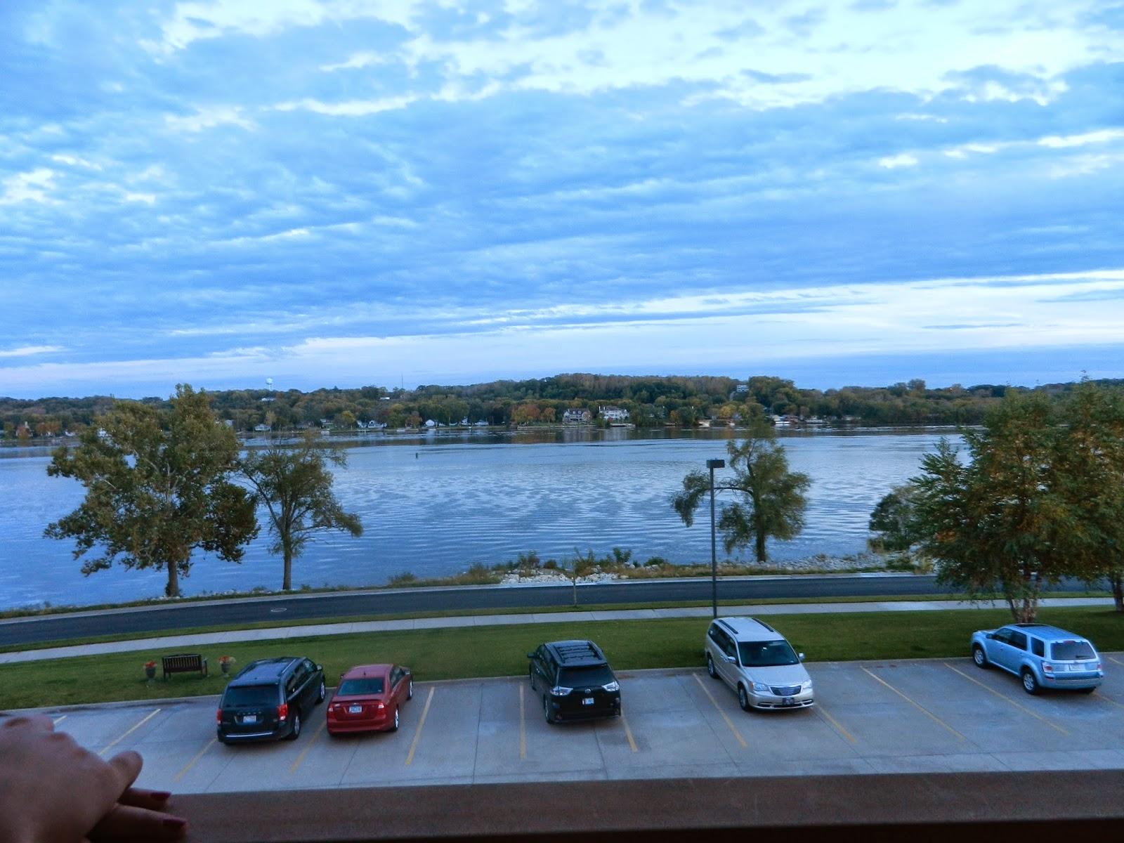 hotel river view leclaire illinois