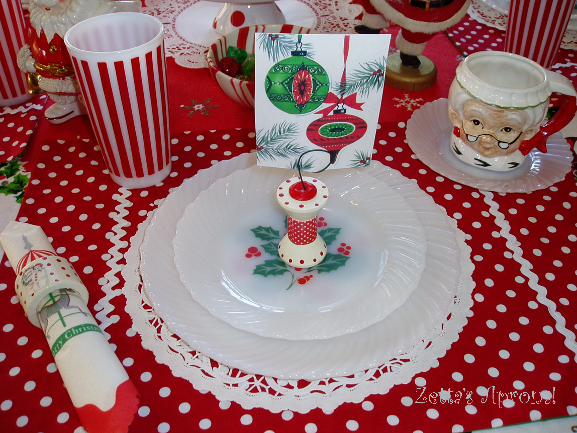 Fun Christmas Table Setting...and a Winner!