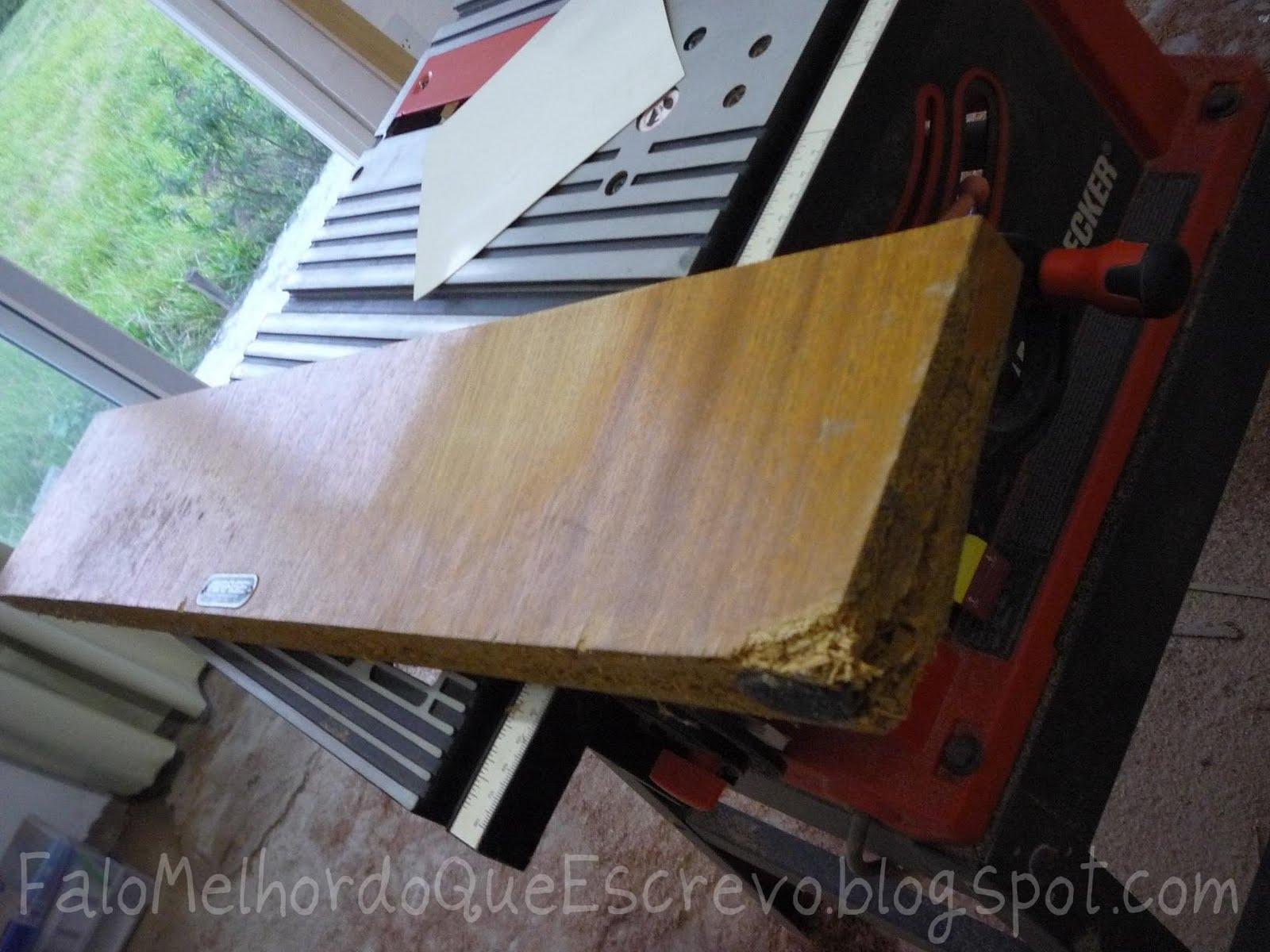 mesa antiga que já foram tampados com massa F12 e os pés ainda #8B6C38 1600x1200