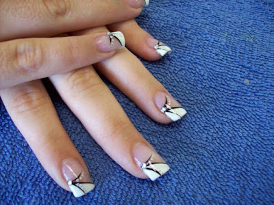 Decoraciones lindas, sencillas y modernas de uñas